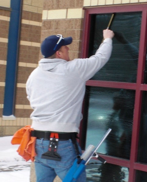 Window Cleaner in Maple Grove